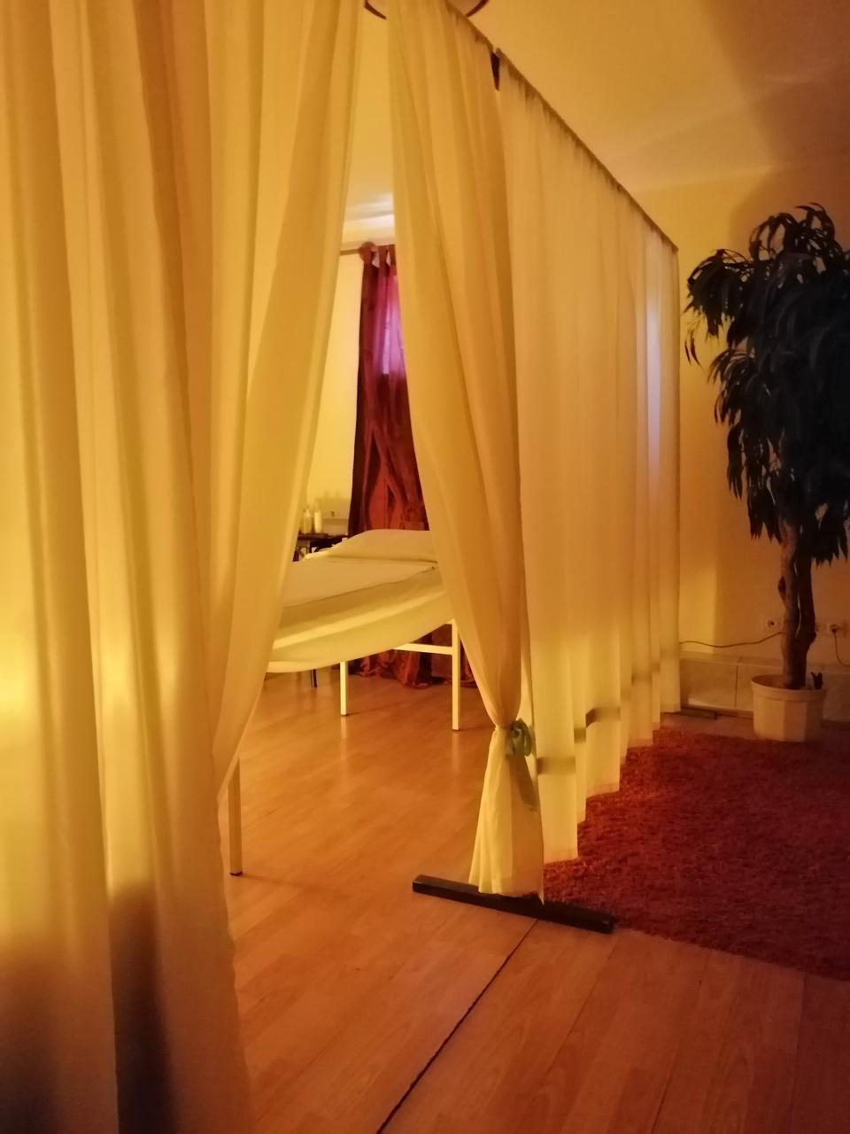 Sopron erotische massage Ladies